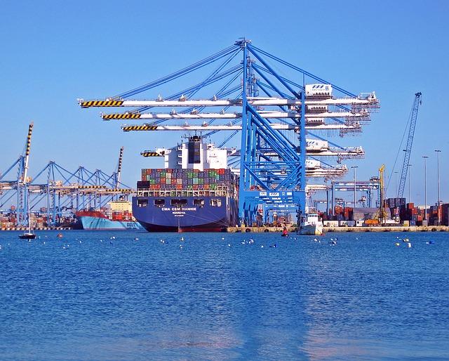 הובלות מנמל לנמל